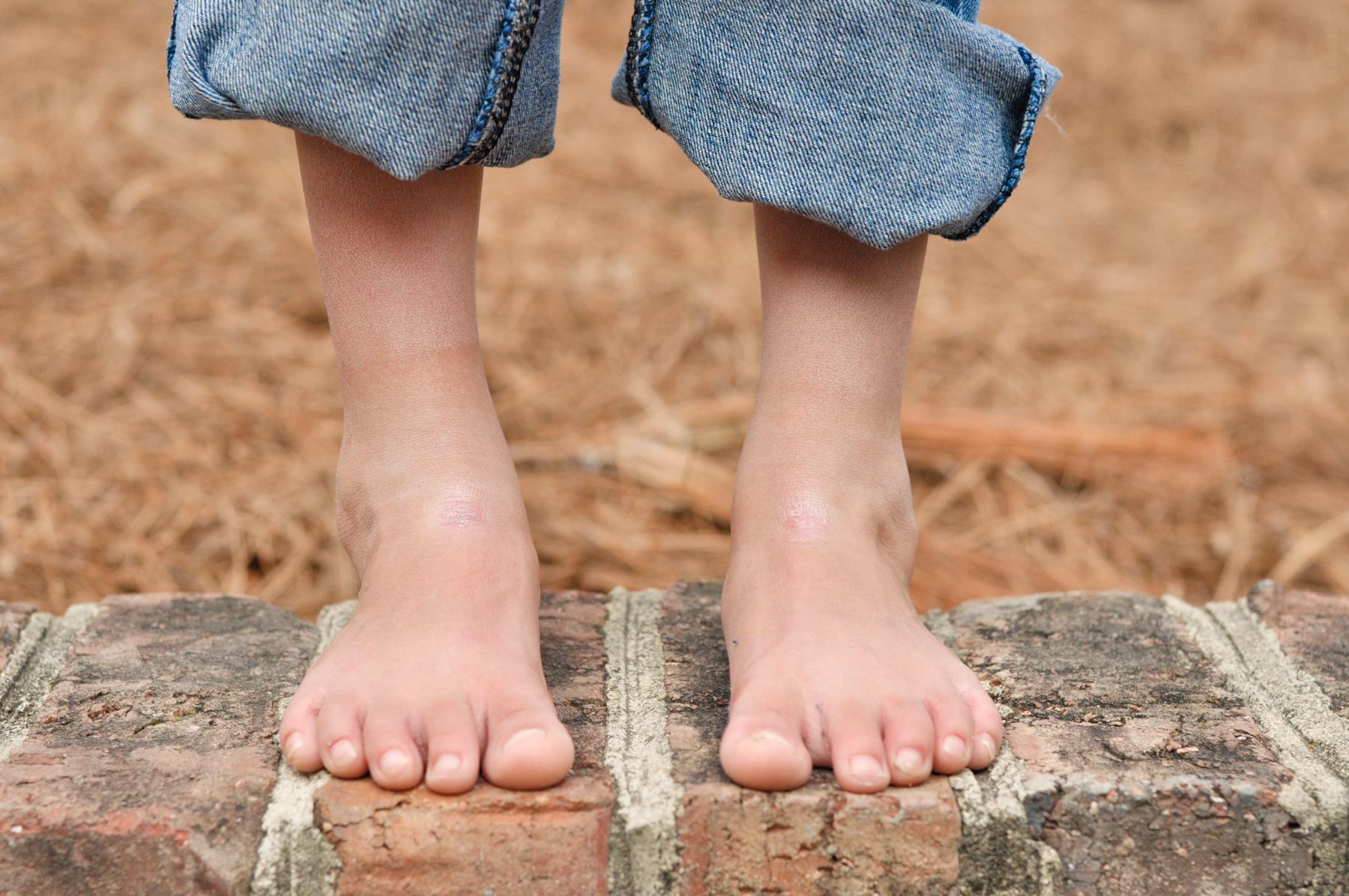 Child foot worship Celebrity Worship